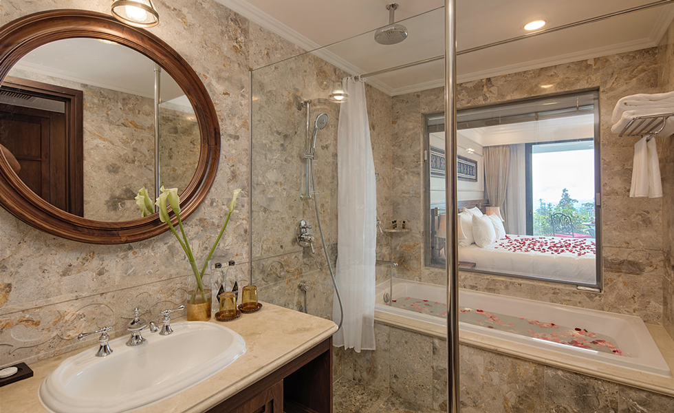 Bathroom in Classic Room