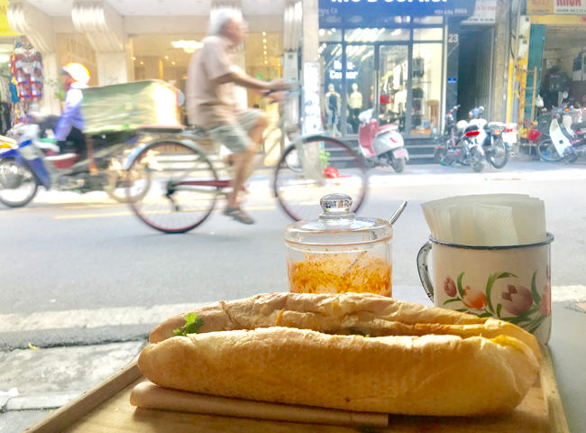 45 Typical Hanoi Street Foods & Places to Eat